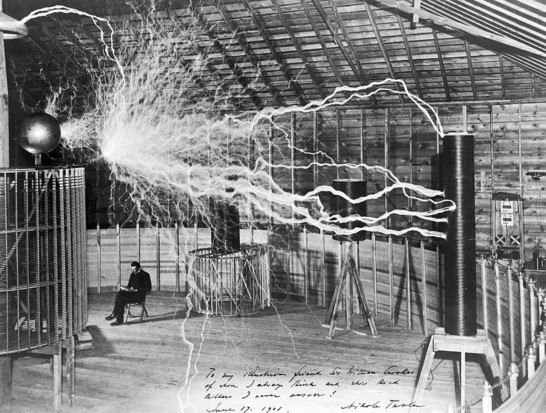 Nikola_Tesla,_with_his_equipment_Wellcome_M0014782